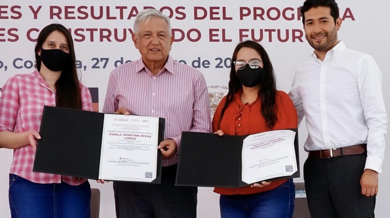Avanza programa Jovenes Construyendo el Futuro en Coahuila