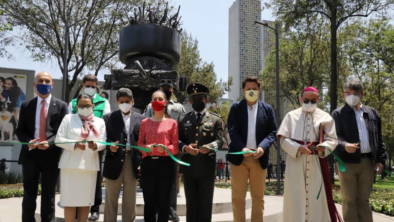 Devela Claudia Sheinbaum escultura Molino para la paz elaborada con 4 mil 700 armas destruidas en la Ciudad de