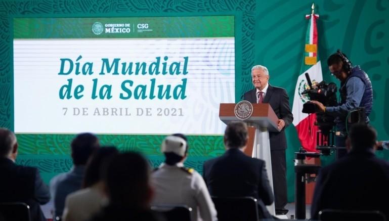 Lopez Obrador reconoce a las y los medicos y enfermeros en el Dia Mundial de la Salud