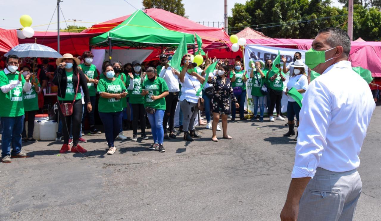 Alfredo Corzo destaca su propuesta de servicio medico gratuito en Tecamac