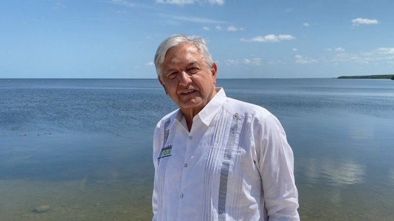 Lopez Obrador conmemora Dia del Trabajo estamos sirviendole al pueblo y a los trabajadores afirma
