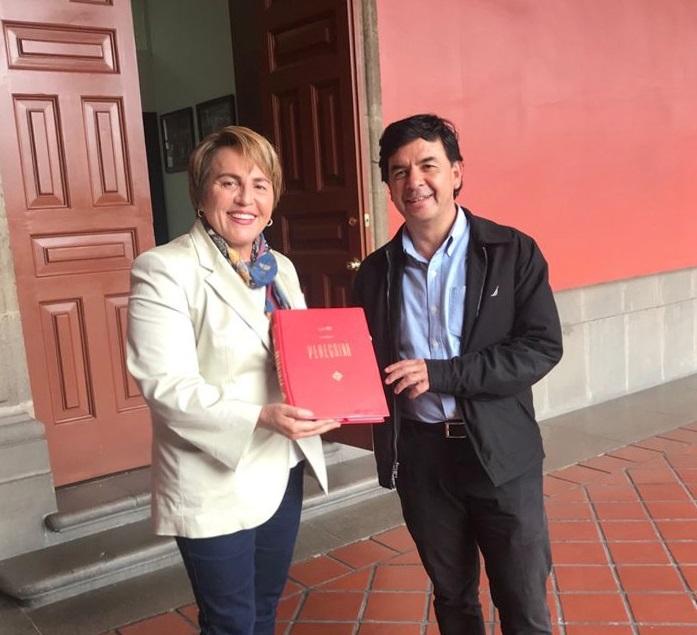Fructifero encuentro de Laura Beristain con Jesus Ramirez Cuevas PRESS
