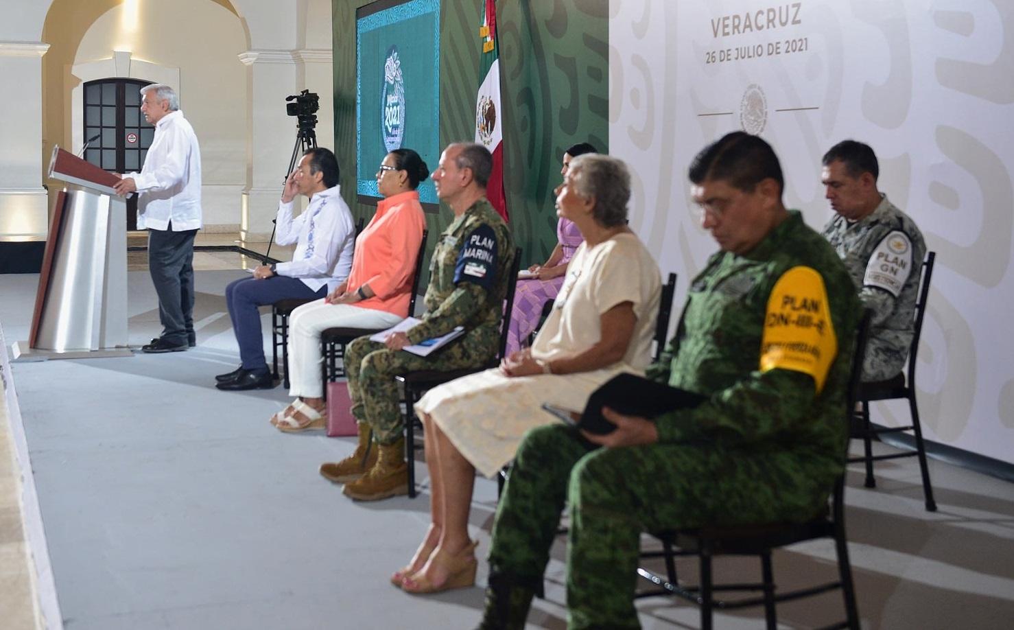 Lopez Obrador anuncia fortalecimiento de la Guardia Nacional habra mas elementos y casi 500 cuarteles en todo el pais afirma