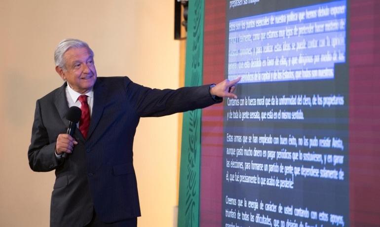 Lopez Obrador llama a ejercer periodismo con etica noticias falsas seran desmentidas afirma