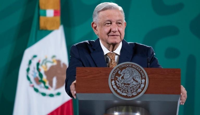 Lopez Obrador llama a buscar refugio seguro por paso de huracan Grace